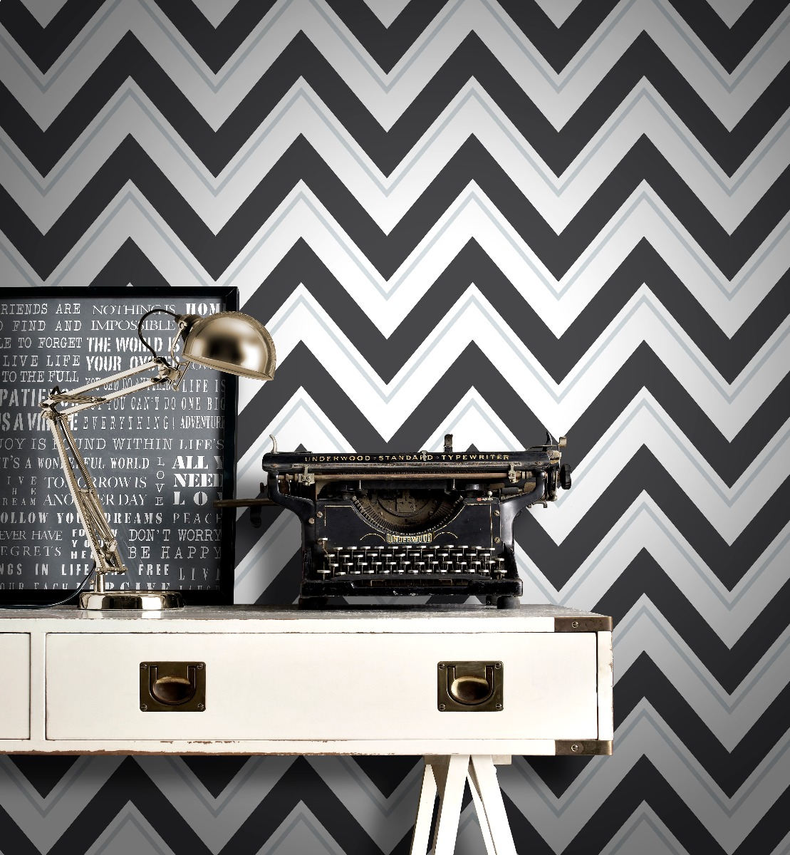 Chevron Wallpaper Black and White Rasch