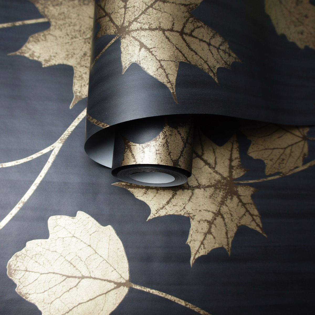autumn leaf gold metallic black wallpaper