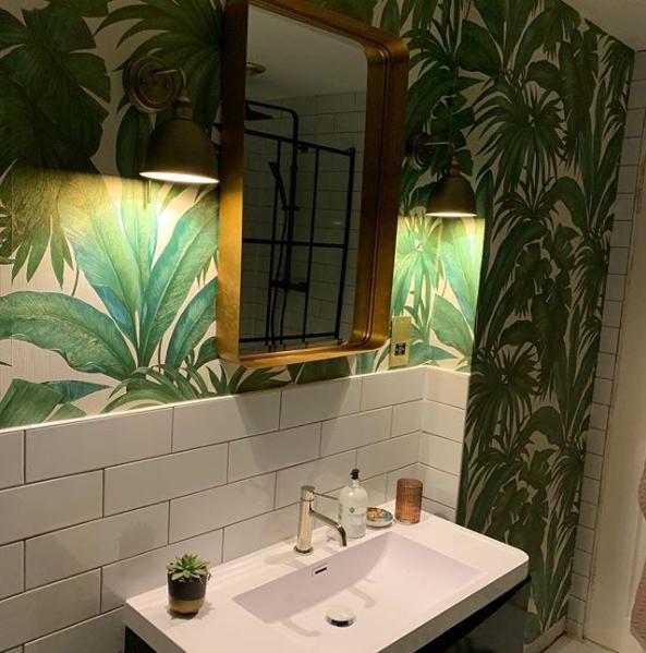 Stunning Versace Bathroom Customer Wallpaper Image