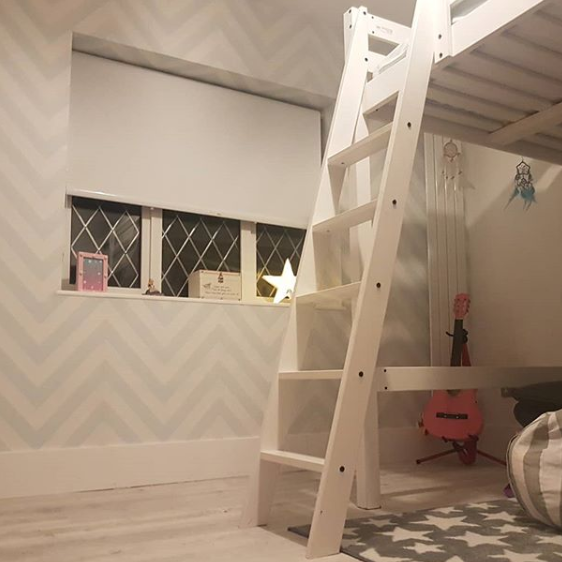 Grey and White Zig Zag Kids Bedroom Wallpaper Instagram @Instahouse_story
